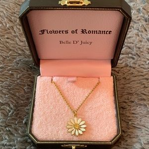 Juicy Couture Gold Daisy Necklace